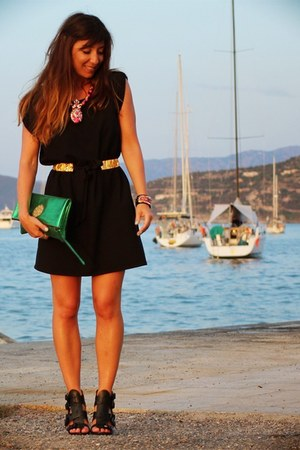 black clo&se dress - green Sous les pavés bag - hot pink shourouk necklace
