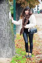 off white fake fur folia coat - black tregging Pimkie leggings