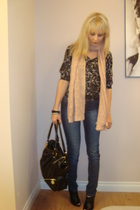 black H & M blouse - pink H & M scarf - black winners purse - blue Sirens jeans