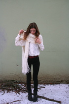 white vintage blouse - black Topshop jeans - red vintage belt - black Frye boots