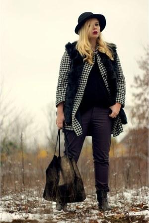 black faux fur dresslily vest