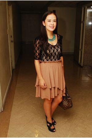 black Topshop top - H&M skirt - Mango shoes - Forever 21 necklace