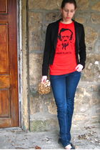 red t-shirt - black Forever 21 blazer - blue garage jeans - black Quad Comfort s