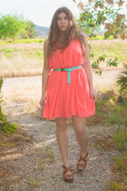 hot pink H&M dress - light blue pull&bear belt - tawny Laocoonte clogs