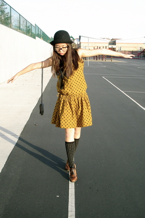 gold vintage dress - black vintage purse - black Urban Outfitters hat - brown Ma