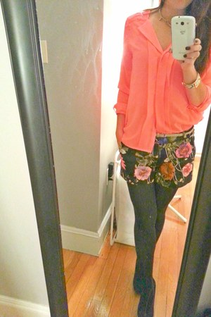 bright colors H&M blouse - floral print Francesca shorts