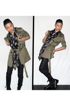 black zipia boots - olive green trench coat H&M coat - black skull scarf Alexand