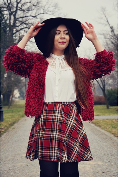 maroon fluffy sweater