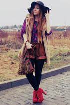 camel vest