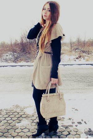 beige vest