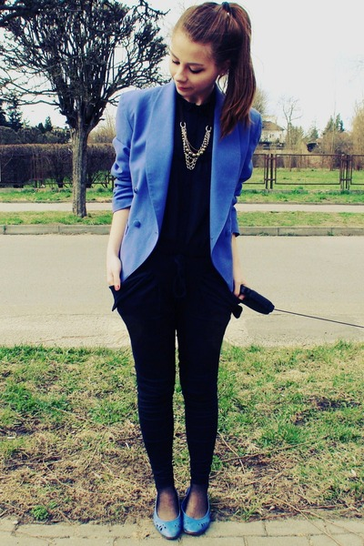 blue jacket - black shirt - blue flats - black pants