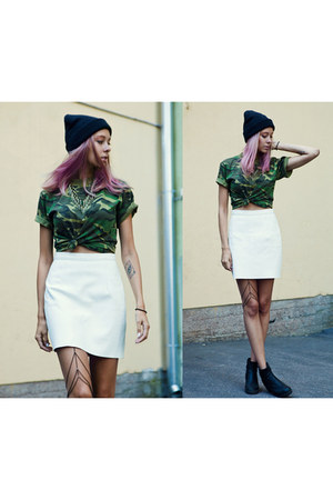 green army second hand t-shirt - white leather American Apparel skirt