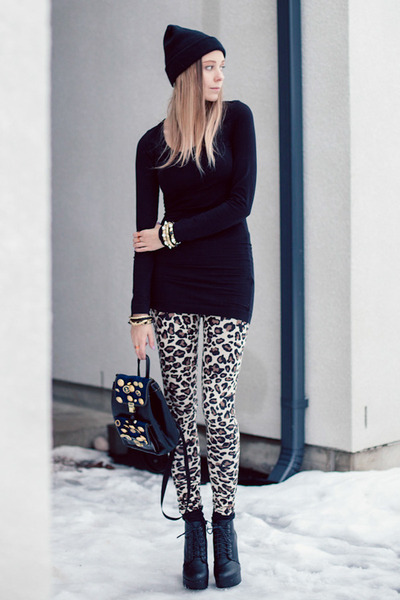 beige leopard print DIY leggings - black backback DIY bag