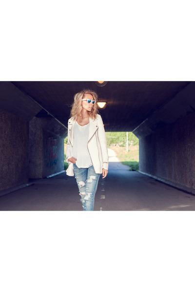 light blue diy Levis jeans - white biker Zara blazer - white ray-ban sunglasses