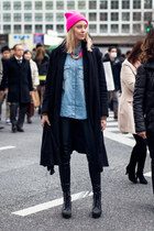 black wool benetton coat - sky blue denim Mango shirt