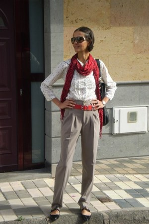 Vogue sunglasses - Stradivarius t-shirt - Zara pants - Zara flats
