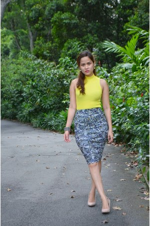 light yellow pull&bear skirt