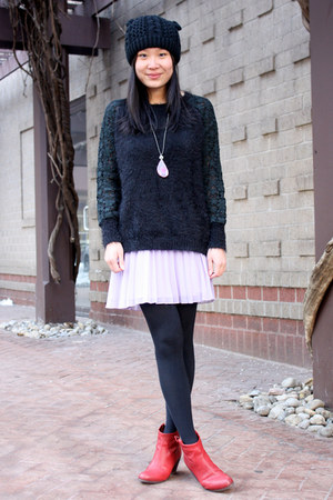 black fuzzy Millau sweater - red ankle boots sam edelman boots