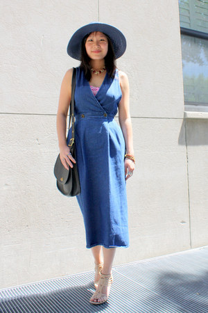 blue denim vintage dress - navy wide-brim La Merceria hat