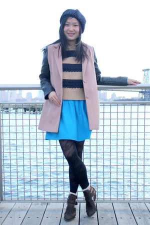 light pink leather sleeve EMODA jacket - dark brown Jeffrey Campbell boots