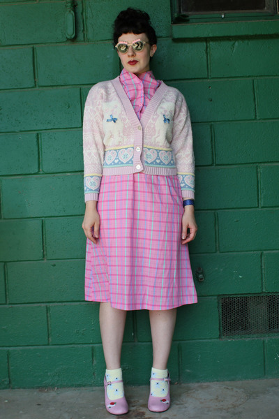 bubble gum plaid vintage dress - light pink cat vintage cardigan