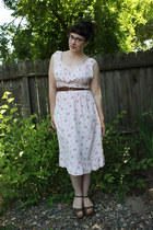 light pink vintage 1940s dress