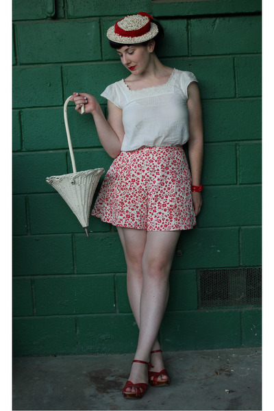 ruby red vintage shorts - white Gap blouse - ruby red miz mooz sandals