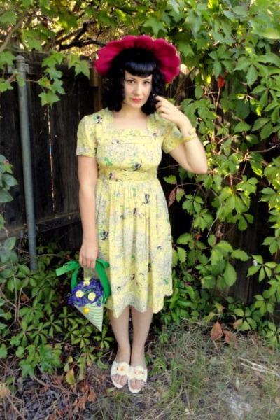 hot pink vintage hat - light yellow vintage dress