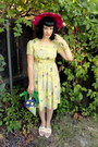 Light-yellow-vintage-dress-hot-pink-vintage-hat