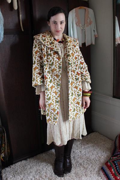 beige vintage coat - beige vintage dress - crimson vintage bracelet