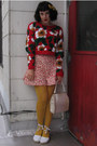 Vintage-sweater-tights-vintage-40s-shorts-wedges