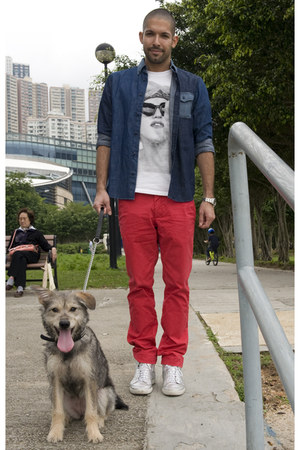 white SPY by Henry Lau t-shirt - blue denim shirt Customellow shirt
