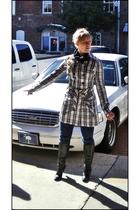 black Karen Scott boots - black Uniqlo sweater - white IN San Francisco coat