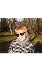 Pimkey sweater - H&M coat - Mango sunglasses
