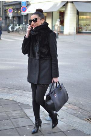 black Jonak boots - black The Kooples coat - black liu jo bag