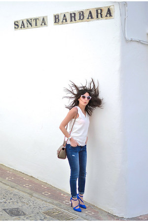 white Zara sunglasses - navy Zara jeans - blue new look heels - white Kiabi top