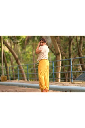 yellow maxi pants - cream lace Rosario Boutique top
