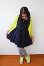 Navy-zara-dress-silver-tights-lime-green-zara-cardigan