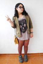 olive green Levis jacket - tan shirt - brown tights - gold Zara bag