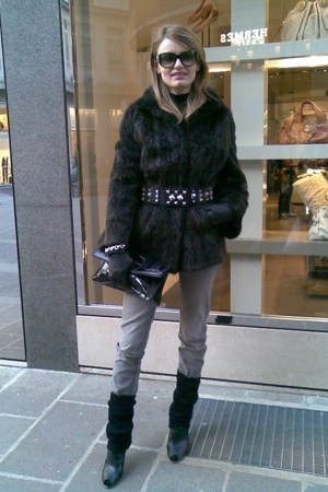 vintage coat - Zara belt - H&M purse - Zara jeans - christian dior sunglasses -