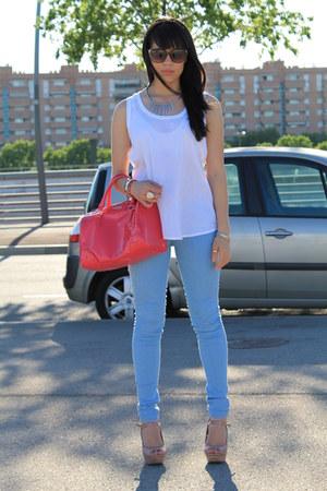hot pink bag - white shirt
