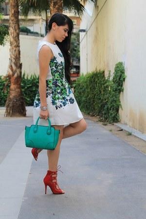 dress - sandals