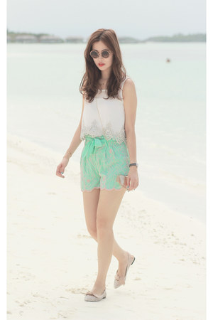 white romwe top - aquamarine virgos lounge shorts