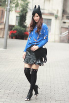 black romwe hat - blue beckybwardrobe sweater - black romwe tights