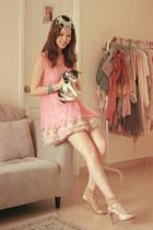 salmon romwe vest - light pink Topshop skirt - gold kari ang heels
