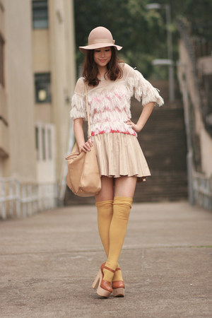 ivory yesstylecom blouse - beige Monki hat - tan Zara skirt