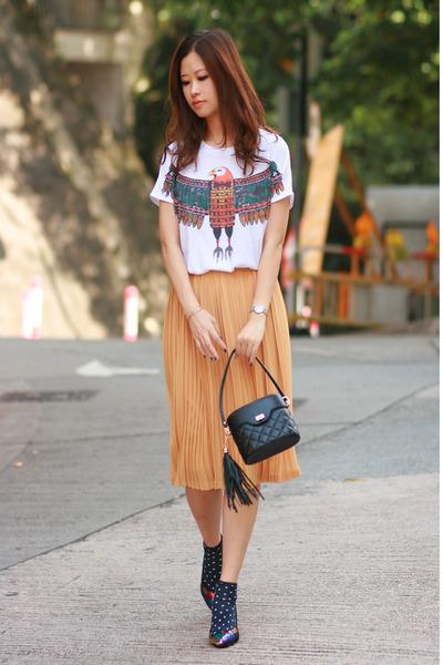 yellow from laurustinus skirt - navy H&M socks - white Yesstyle t-shirt