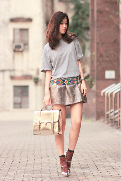 carrot orange keke mapena belt - silver romwe bag - silver Miu Miu heels