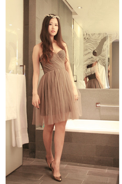 heather gray Maria Lucia Hohan dress - bronze Jimmy Choo heels