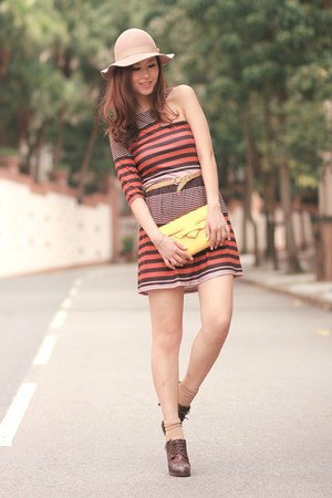 eggshell Monki hat - burnt orange Love dress - yellow romwe bag